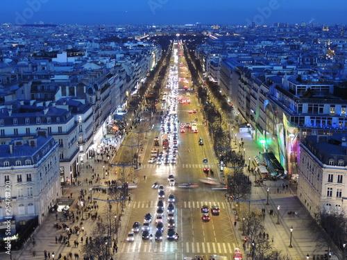 Fotografie, Obraz  L'heure bleue aux Champs-Élysées