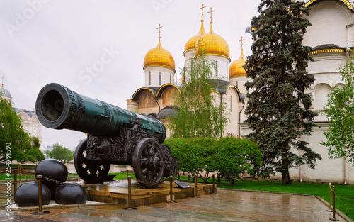Slika na platnu Tsar Cannon and Dormition Cathedral at Kremlin in Moscow