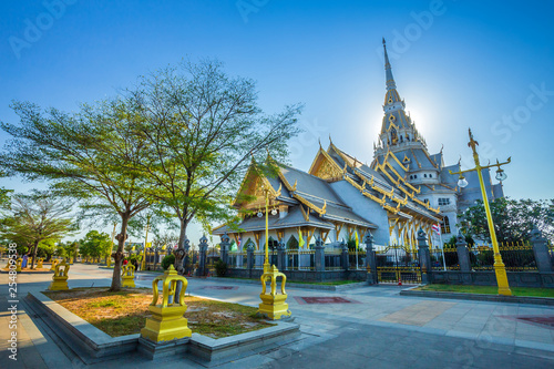Foto  Wat Sothonwararam is a Buddhist temple in the historic centre and is a Buddhist temple is a major tourist attraction in Chachoengsao Province, Thailand