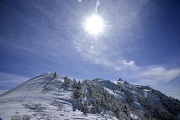 晴天の雪山登山:武尊山から剣ヶ峰へ