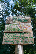 Hiking Trail Signs, Centro Int...