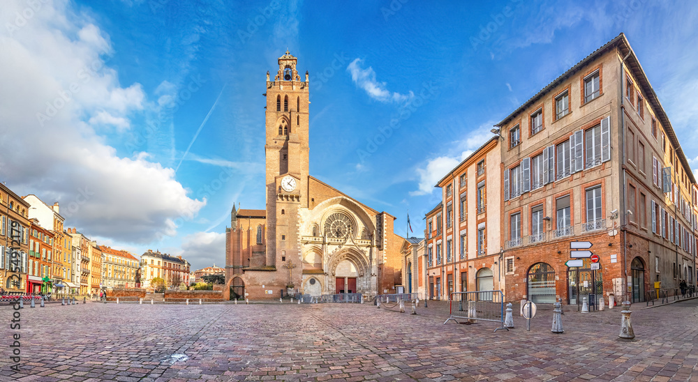 Fototapety, obrazy: Panorama of Saint-Etienne square with Saint Stephen's Cathredal in Toulouse, France