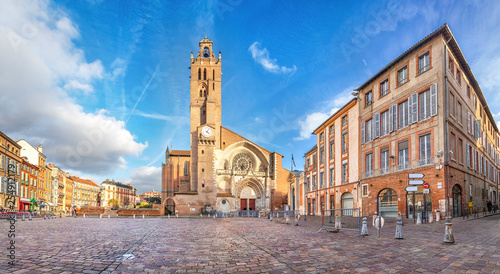 obraz dibond Panorama of Saint-Etienne square with Saint Stephen's Cathredal in Toulouse, France
