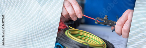 Fotografía Electrician stripping a wire. panoramic banner