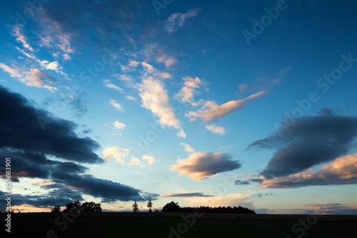 Fotografía  Sunset Sky Above Field Silhouette