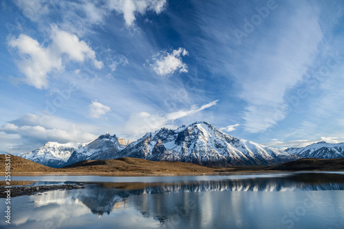 Fotografía  Laguna de los Cisnes en el Parque Nacional Torres del Paine, Chile