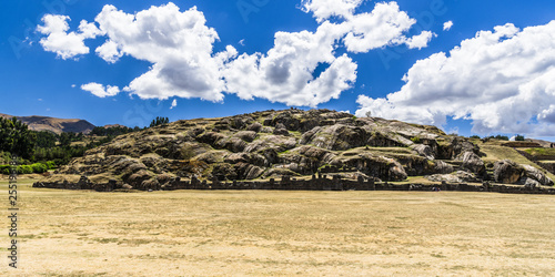 Foto  The hill in the fortress of Sacsahuaman