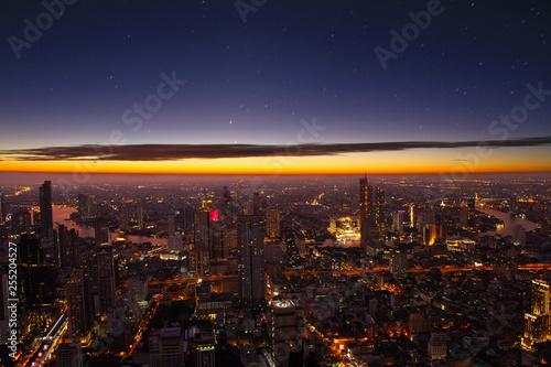 Photo Cityscape night city bangkok twilight evening time sunset downtown in bangkok ci