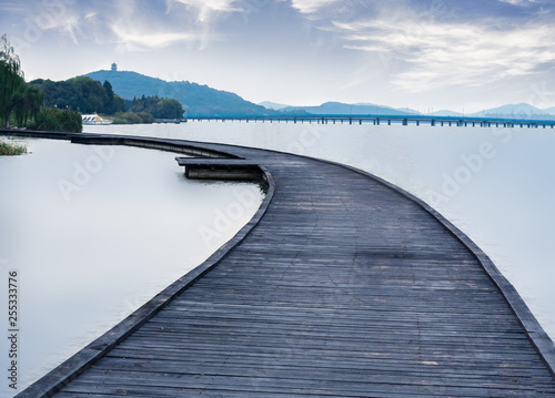 Valokuva  Li lake Scenic Area wooden trestle Road at Wuxi city