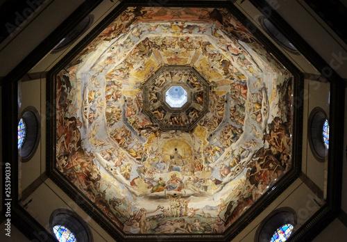 Foto Last Judgment, fresco by Giorgio Vasari in the Cattedrale di Santa Maria del Fio