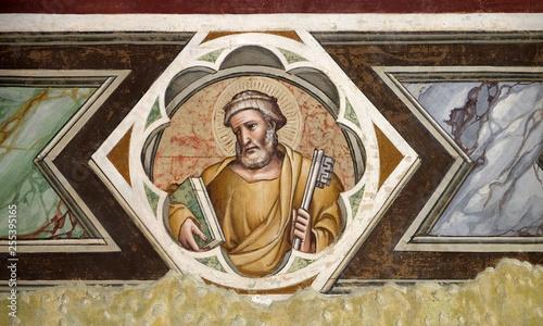 Türaufkleber Phantasie Saint Peter, fresco in the Santa Maria Novella Principal Dominican church in Florence, Italy