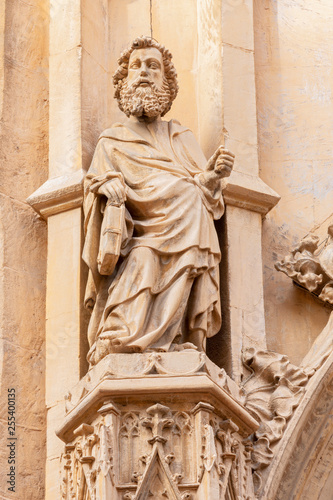 Foto  PALMA DE MALLORCA, SPAIN - JANUARY 27, 2019: The gothic statue of St