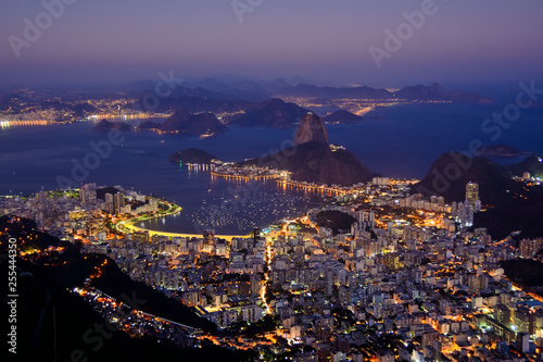 Photo  Rio by night