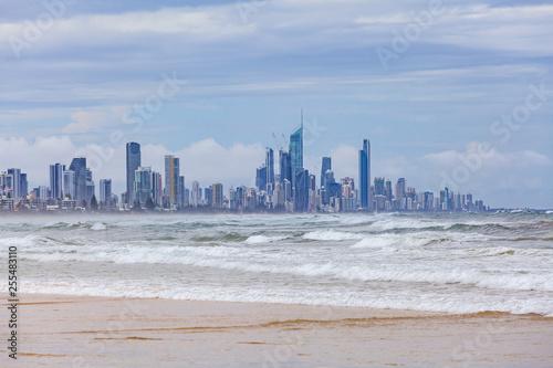 Spoed Foto op Canvas Dubai Gold Coast skyline and ocean waves. Surfers Paradise, Queensland, Australia