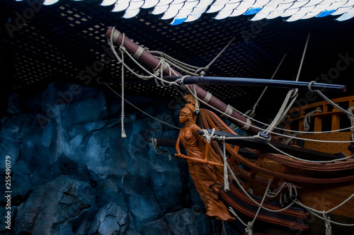 Tablou Canvas Russia, Vladivostok, July 2018: feed ship in Vladivostok aquarium