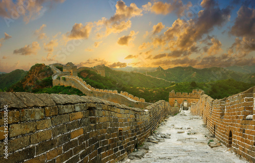 Foto auf Gartenposter Chinesische Mauer Sunset on the great wall of China,Jinshanling