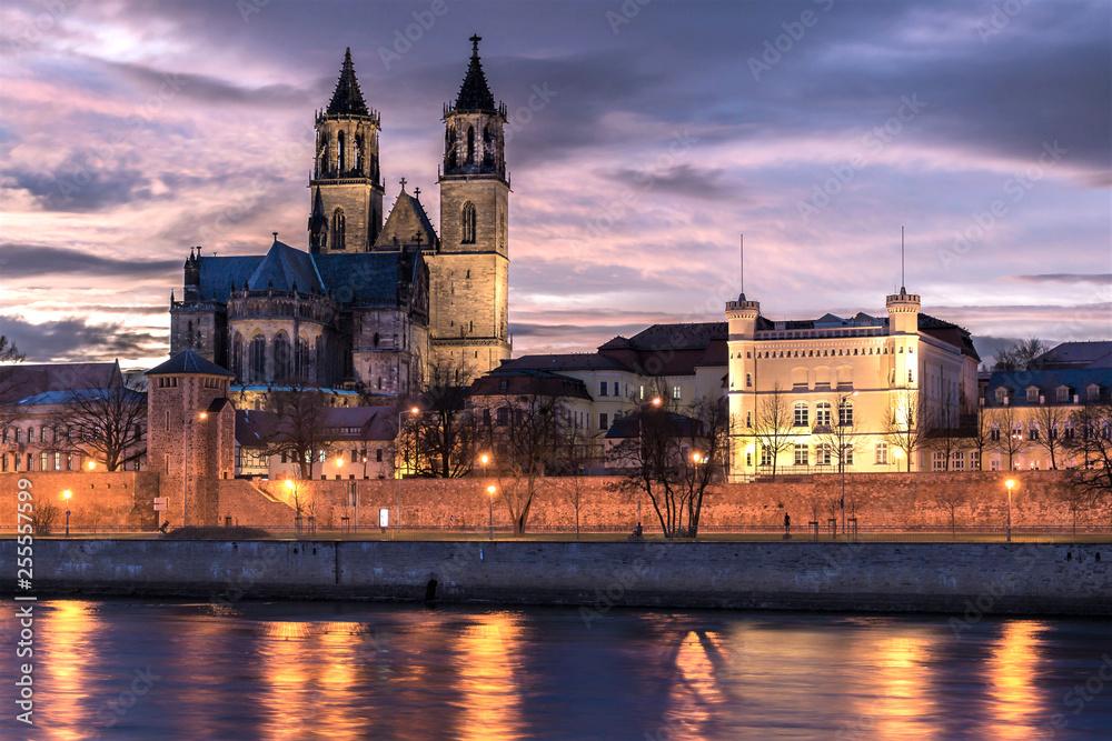Fototapety, obrazy: Magdeburger Dom bei Sonnenuntergang