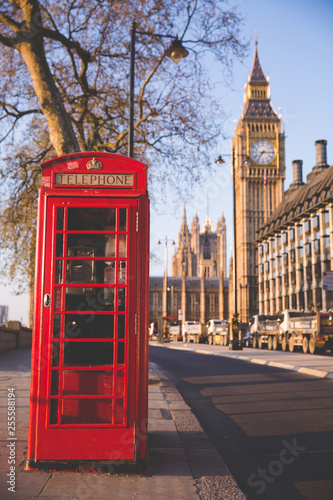 Foto op Canvas Londen rode bus red telephone booth in london