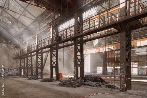 Canvas Prints Old building Alte Industriehalle im Ruhrgebiet, kurz vor dem Abriss