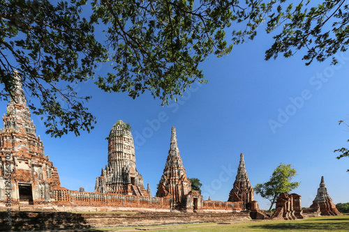 Foto  Wat Chaiwatthanaram is a Buddhist temple in the city of Ayutthaya Historical Park,Thailand,travel concept