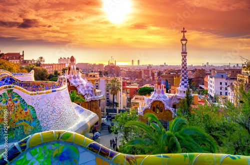 Photo  View of the city from Park Guell in Barcelona, Spain