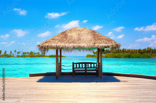 Photo summer hot caribbean maldives vacation beach background - view on the azure blue