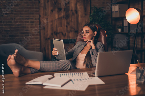 Photo Close up side profile photo beautiful she her business lady chief hard week look