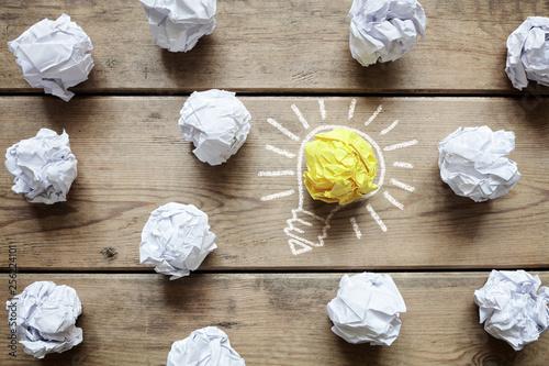 Obraz Good idea crumpled paper light bulb metaphor - fototapety do salonu