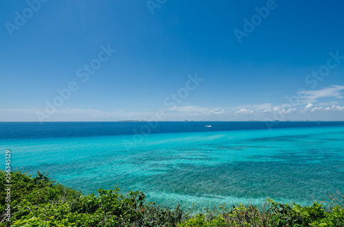 Canvas Prints Ocean Scenic view of the caribbean sea from Isla Mujeres cliff
