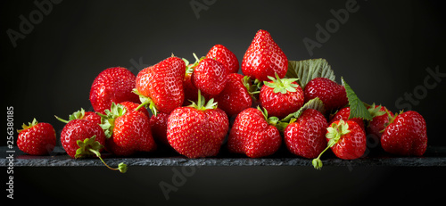 Fotomural  Strawberries with  leaves.