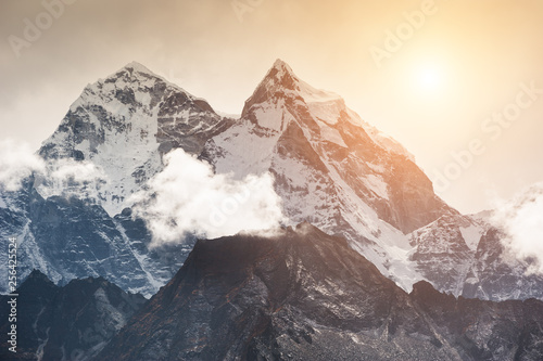 Poster Blanc View of Mount Kangtega in Himalaya mountains at sunset, Nepal