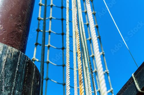Vászonkép Amarres, sogas y cuerdas de barco 02
