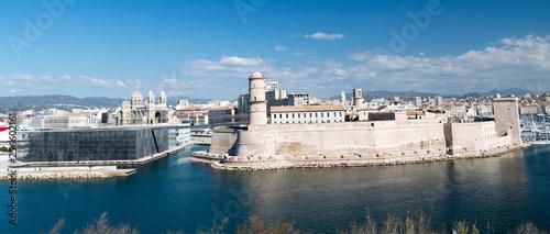 Vue sur Marseille depuis le Pharo