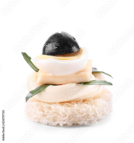 Photo sur Plexiglas Zen pierres a sable Tasty canape on white background