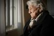 canvas print picture - Rentnerin in einem Pflegeheim
