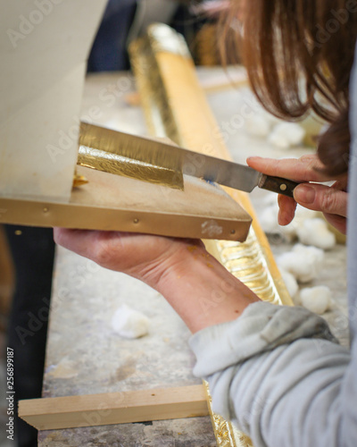 Foto op Canvas Trappen The Art of Gilding