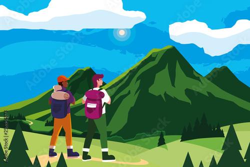 Fotografía adventurous men with travelbag in the mountains