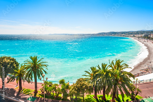 Платно Panoramic view of the sea coast in Nice, France