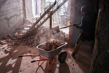 The Handyman Builds A House, B...