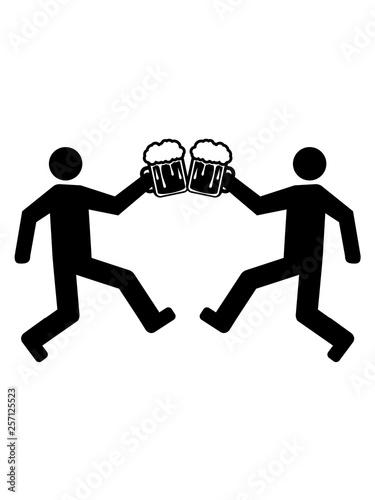 Valokuva  betrunken anstoßen bier 2 freunde trinken krug oktoberfest trinken glas maß alko