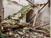 Raixeta, Abandoned Farmhouse