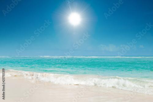 Fototapeta  Sunny day, sea idyll