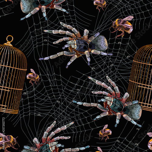 Embroidery Spider Gold Cage And Bumblebee Seamless Pattern