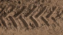 Grobe Reifenspur Im Braunen Sand