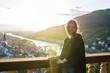 canvas print picture - junge hübsche Frau lächelt und lacht in Heidelberg
