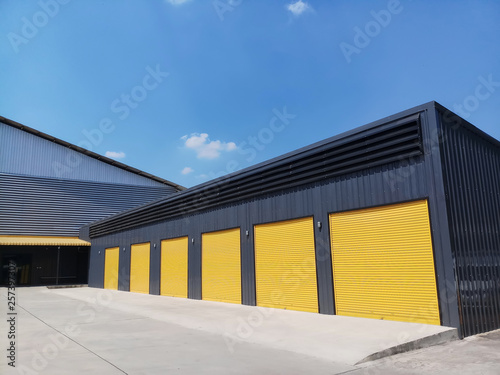 Foto  exterior of warehouse