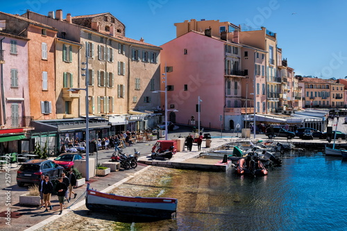 Obraz na płótnie Hafenpromenade in Saint Tropez, Frankreich
