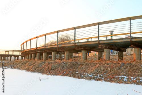 Valokuva  trestle bridge in winter