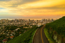 USA, Hawaii, Oahu, Honolulu, View From Tantalus Lookout At Sunrise, Puu Ualakaa State Park