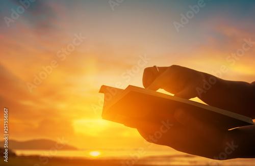 Fototapeta  Christian praise on hill thanksgiving day background